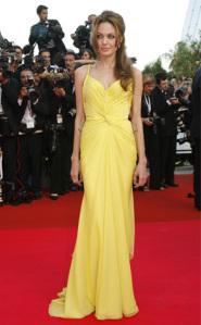 angelina-jolie-yellow-dress-redcarpet